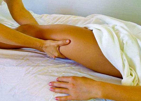 Перелом шейки бедра: лечение, симптомы и первая помощь