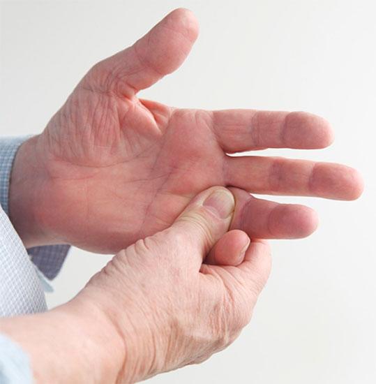 Ушиб сустава на пальце чем быстро помочь операции на суставах ног